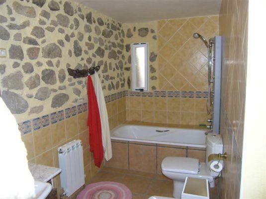 Baño Kamasutra con bañera, bidé y ducha de hidromasaje