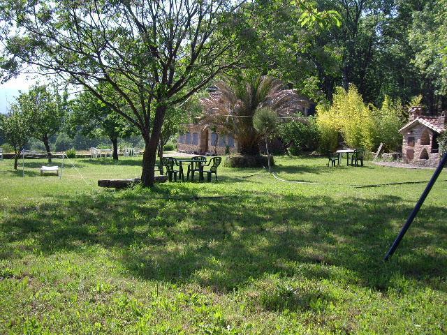 En la Vera de Cáceres, Jardín con columpios, barbacoa y piscina