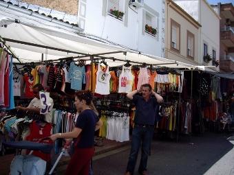 Mercadillo de puestos ambulantes de Jaraiz de La Vera
